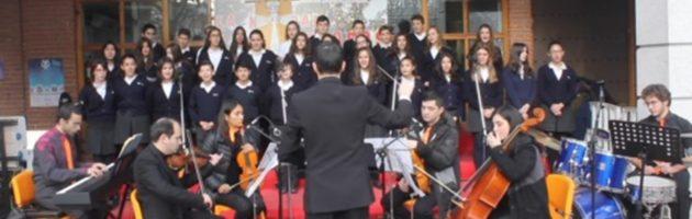 Navidades Escolanas del Colegio SJE en las Calles de Torrejón 2016